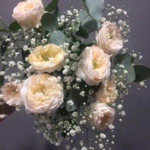 Ramo con rosas jardín